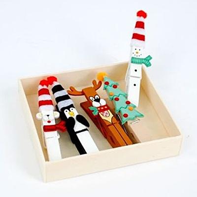 #Christmas clothes pins #diy #craft